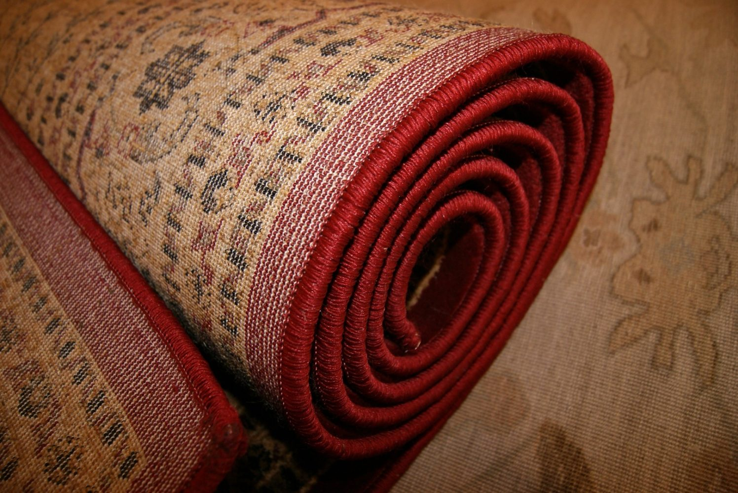 How To Decorate Small Spaces With Oriental Rugs